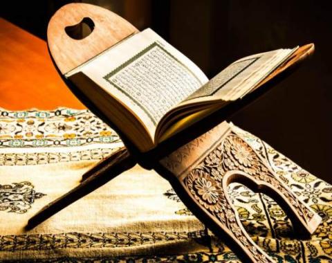 تمرین روخوانی قرآن با بازی و بخش خوانی