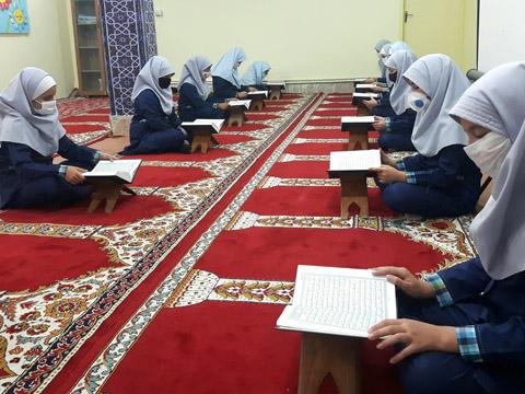 مسابقه رو خوانی قرآن کریم ویژه دانش آموزان پایه پنجم